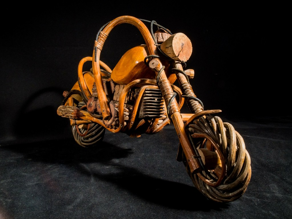wooden-motorcycle-253555_1920