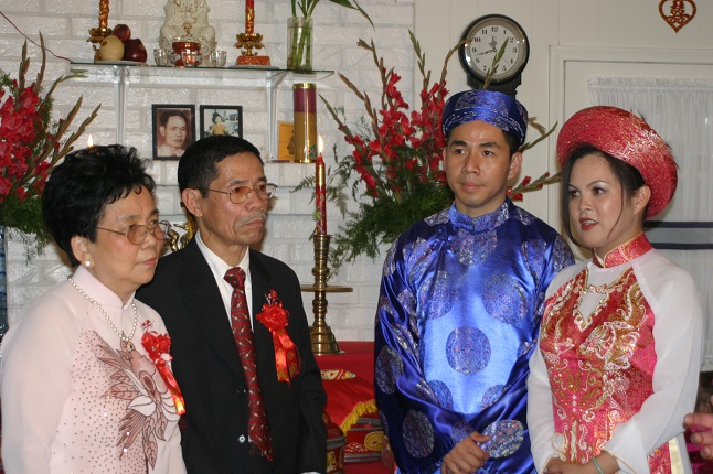 vietnamese-bride-groom