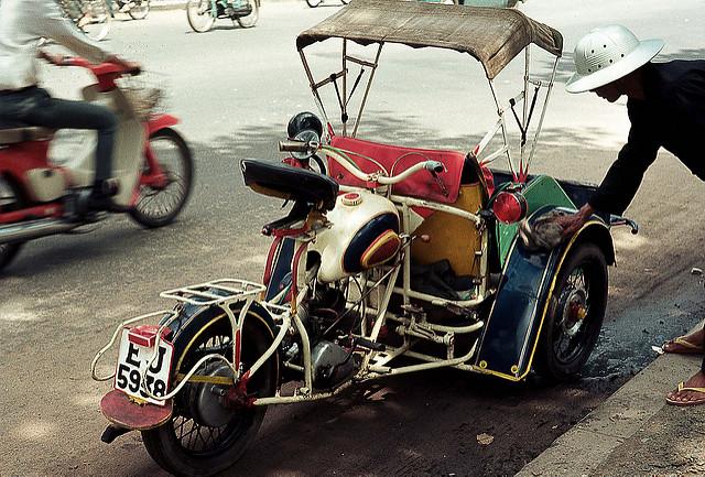 xich-lo-may1968