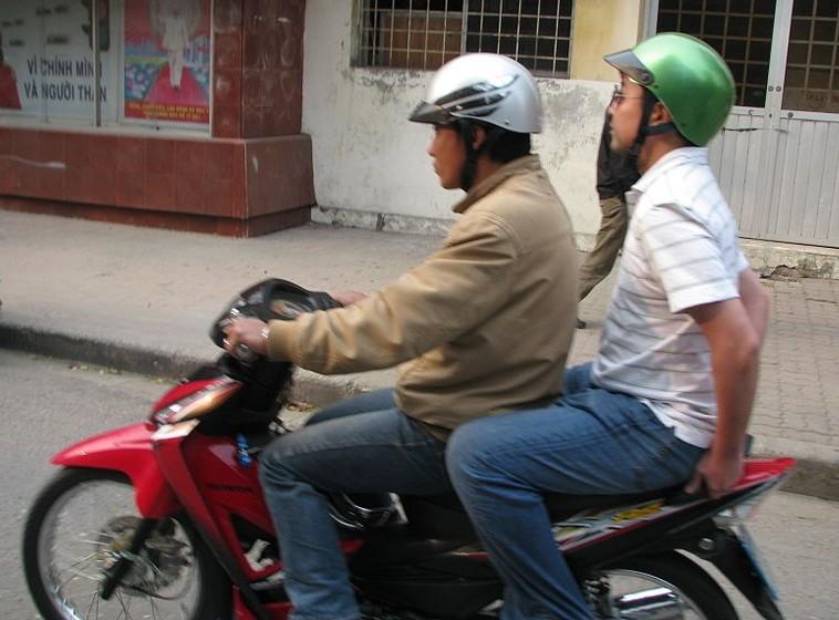 00px-Vietnam_08_-_02_-_taking_the_motos
