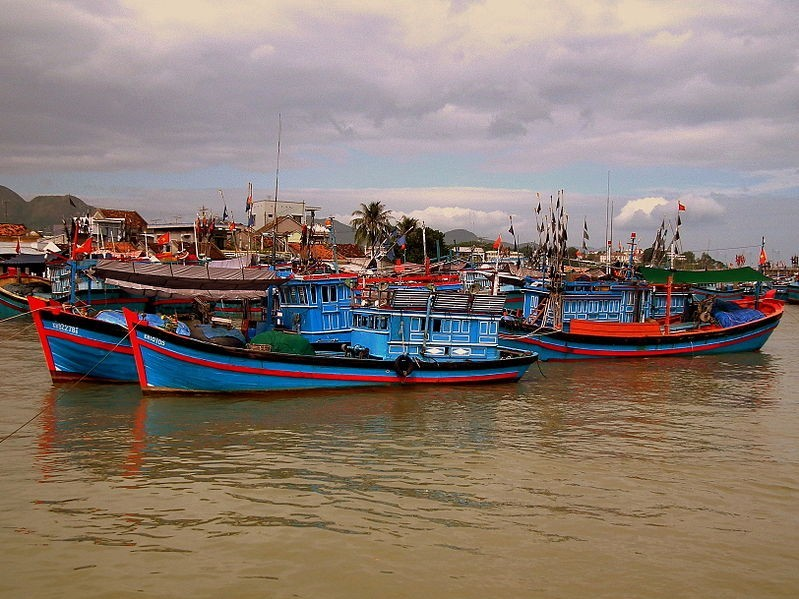 NHA TRANG FISHING BOATS VIETNAM JAN 2012